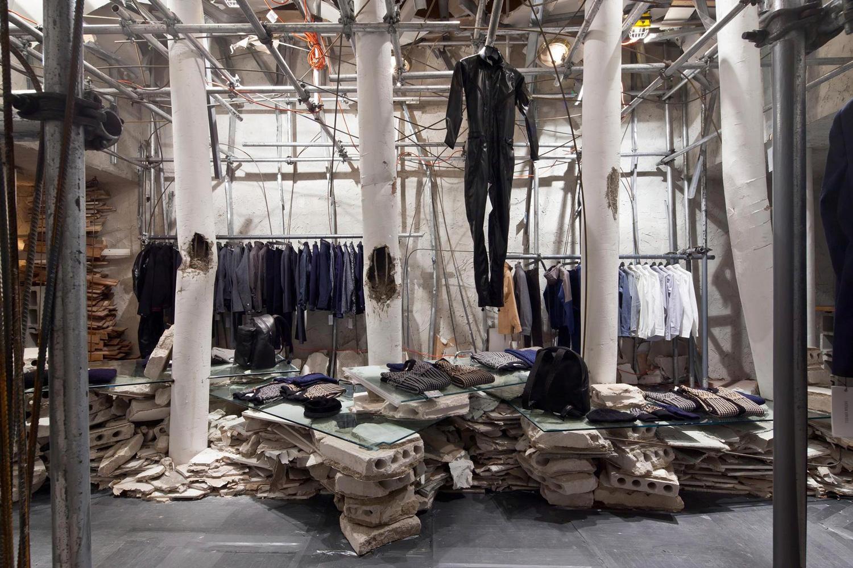 Patrik Ervell pop up store by Graham Hudson New York | Yellowtrace