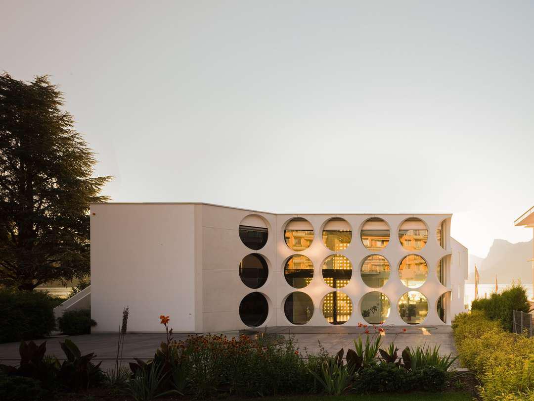 O House by Philippe Stuebi Architekten Lucerne Switzerland | Yellowtrace
