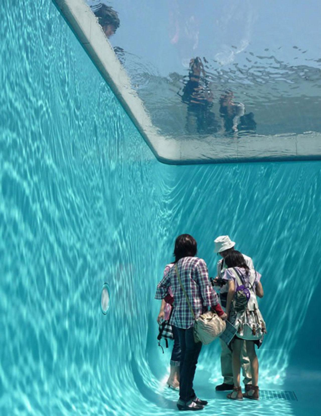 An Illusory Swimming Pool by Leandro Erlich | Yellowtrace