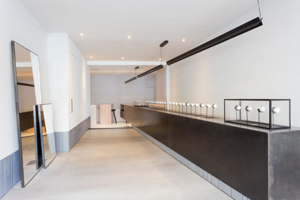 Larsson Jennings Watch Store in NYC by Studio Mills | Yellowtrace