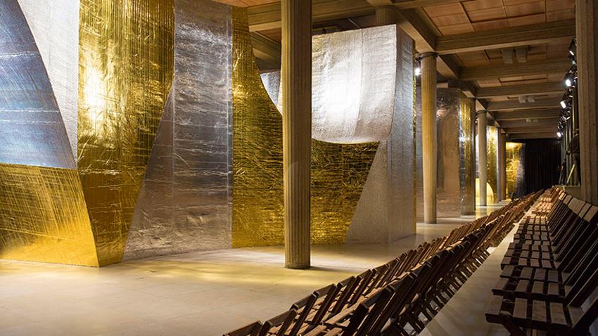 AMO Forms Metallic Arches over Miu Miu's Spring Summer 2016 Catwalk | Yellowtrace