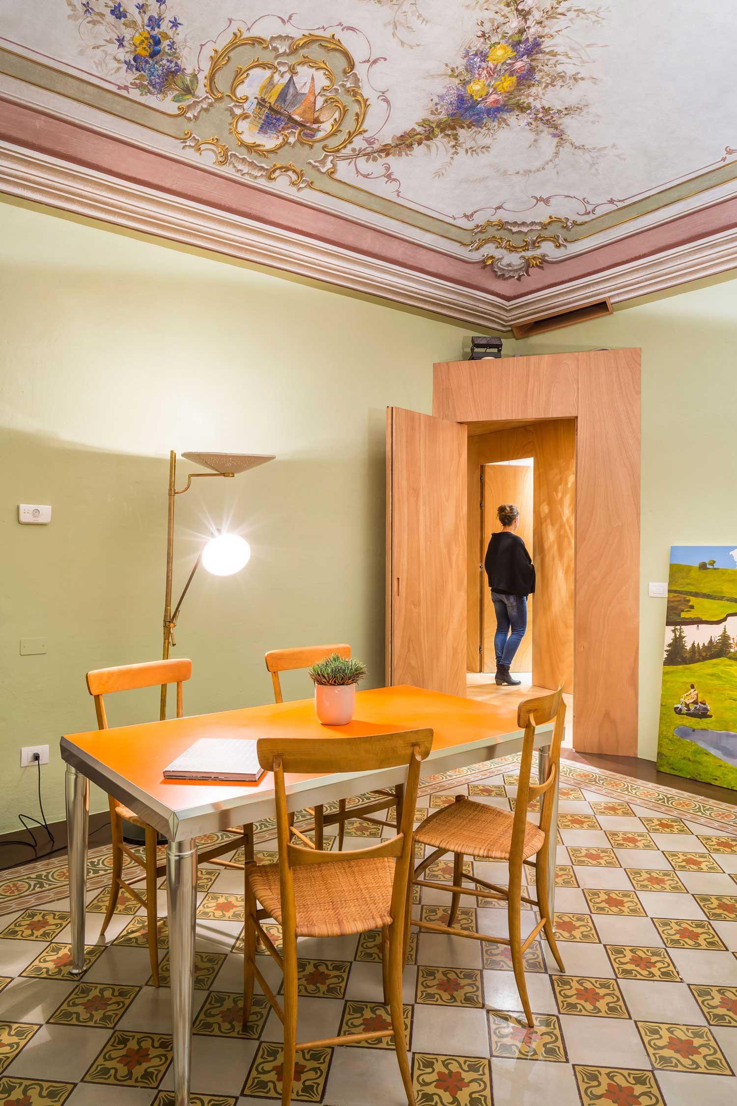 Apartment Renovation In Manhattan: Heritage Apartment Renovation In Chiavari By Nicola