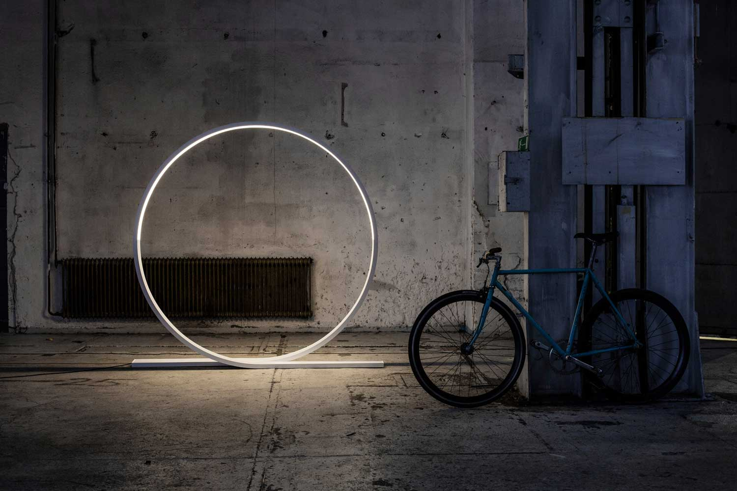 Timo Niskanen Designs Giant Looping LED Light for Himmee at Stockholm Furniture Fair 2017 | Yellowtrace