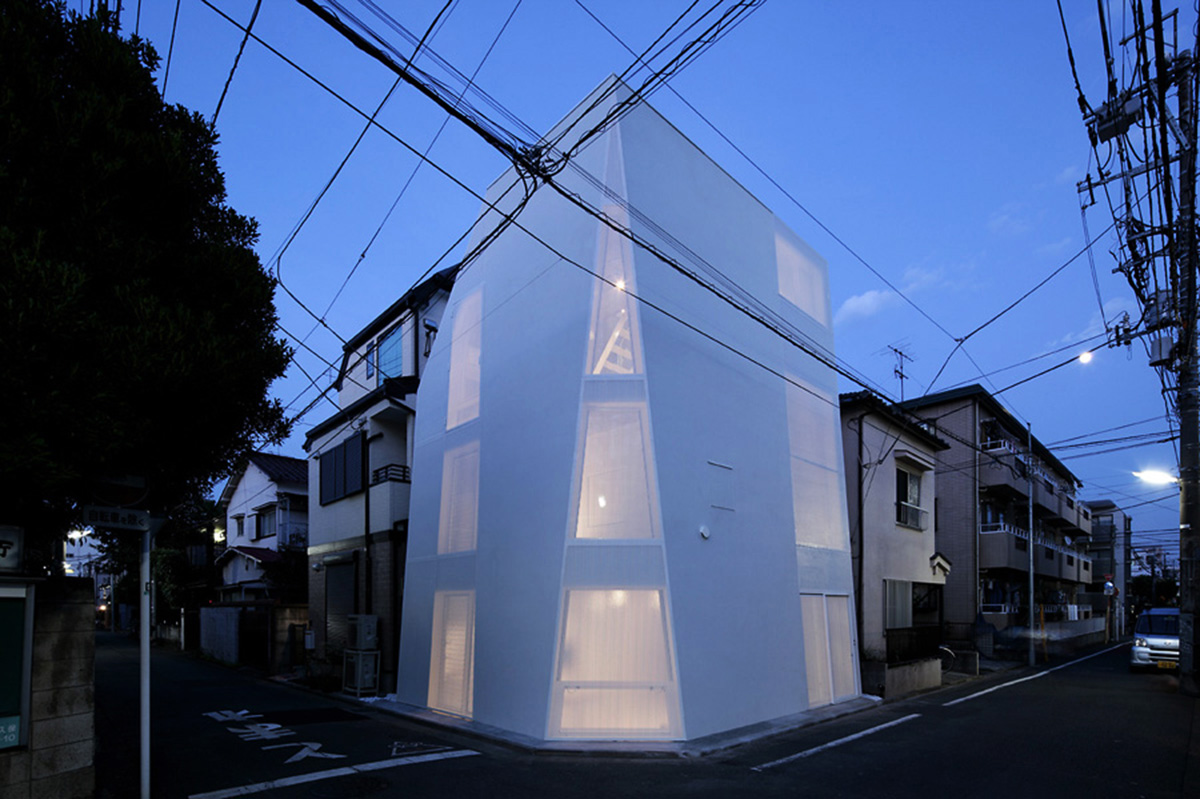 Tokyo House by A.L.X. Architect | Yellowtrace