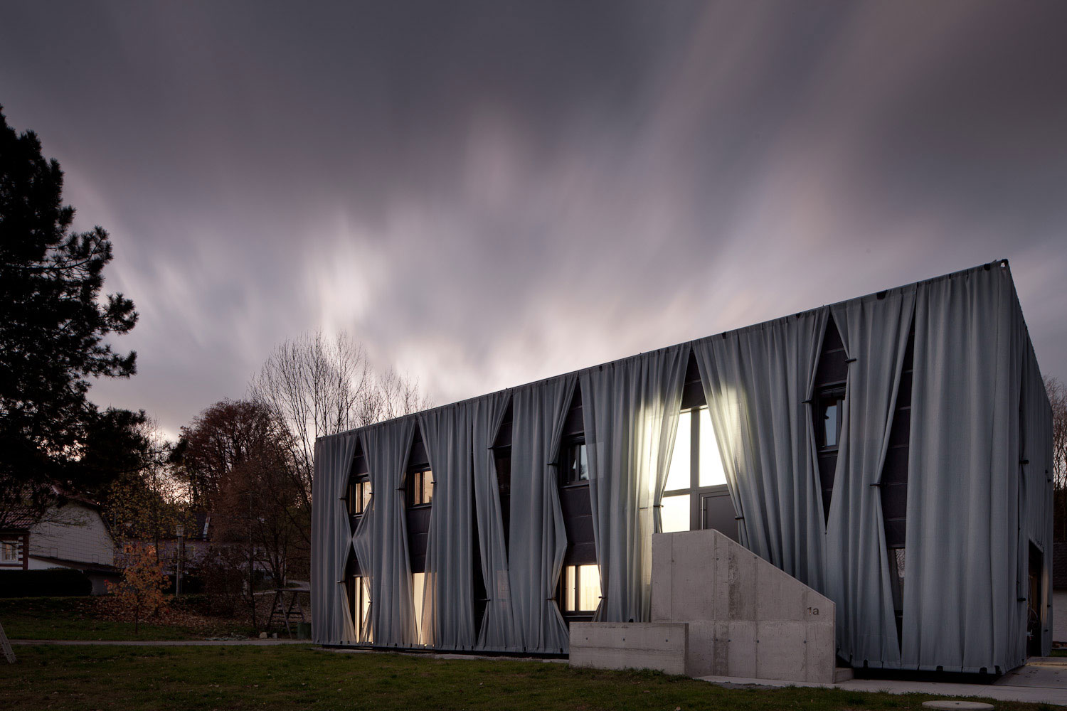 Aichinger House in Kronstorf, Austria by Hertl Architekten | Yellowtrace