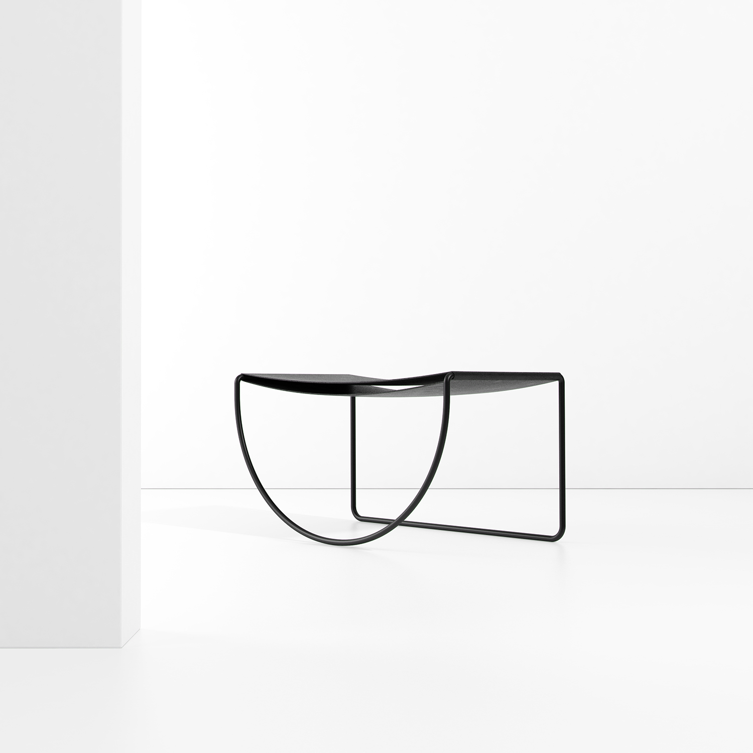 Circunscrito Table by Pedro Paulo Venzon | Yellowtrace