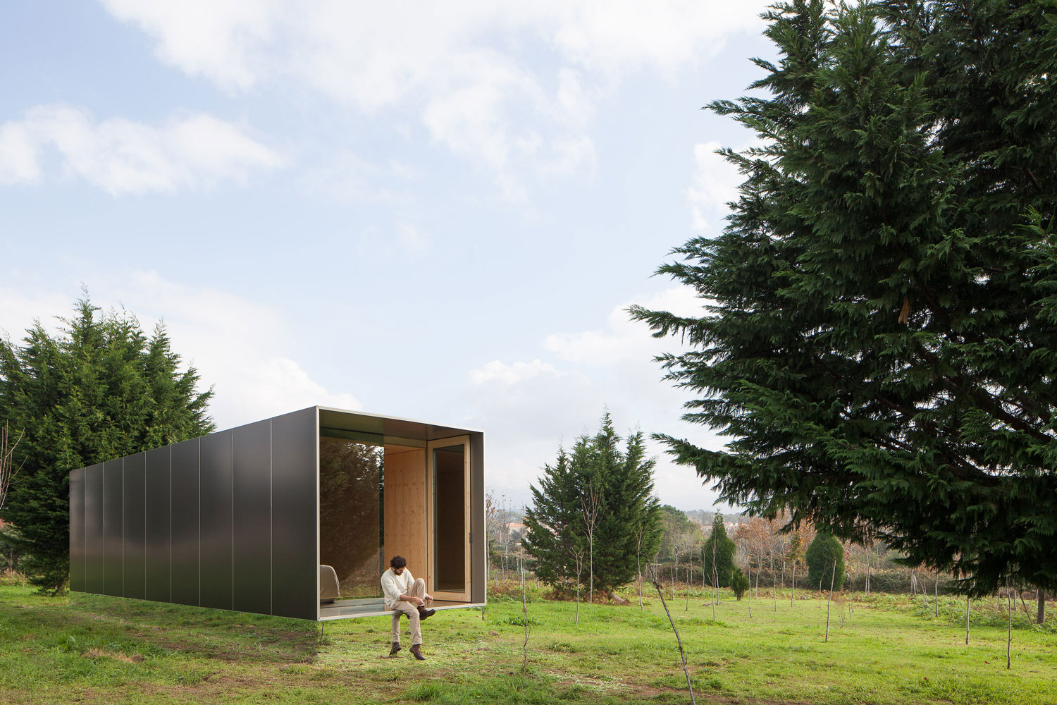 MIMA Light Prefabricated Cabin with Near Invisible Base by MIMA Architects | Yellowtrace