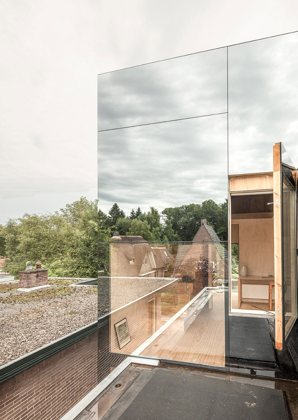 Mirror Mirror by Remco Siebring   Yellowtrace