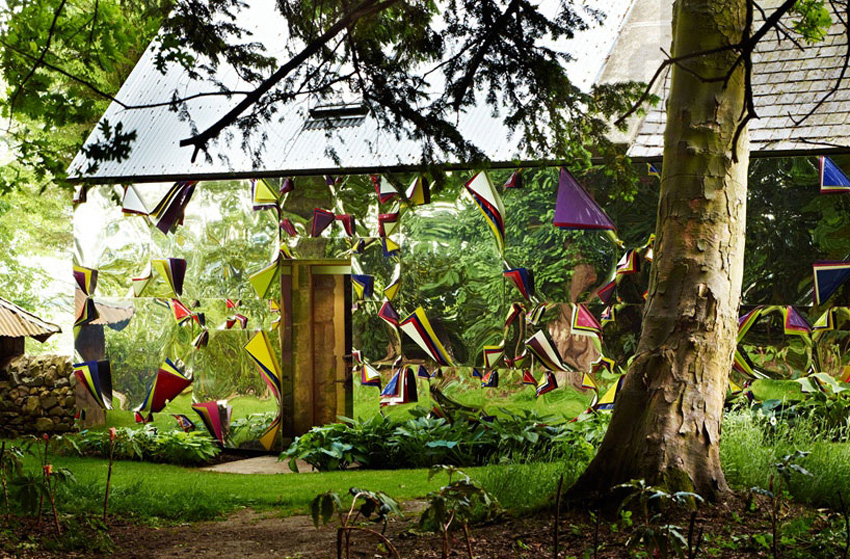 Mirrored Shed by Jim Lambie at Jupiter Artland | Yellowtrace