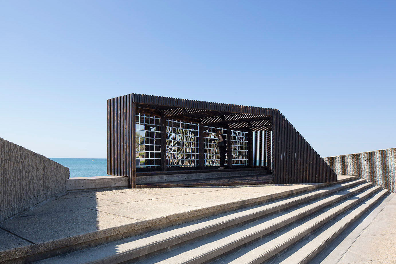 NAS Architectures Seaside Breath Box | Yellowtrace