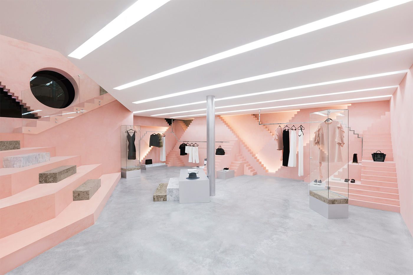 Geometric shapes steps details inside 39 novelty 39 san pedro store by anagrama for Fashion retail interior design