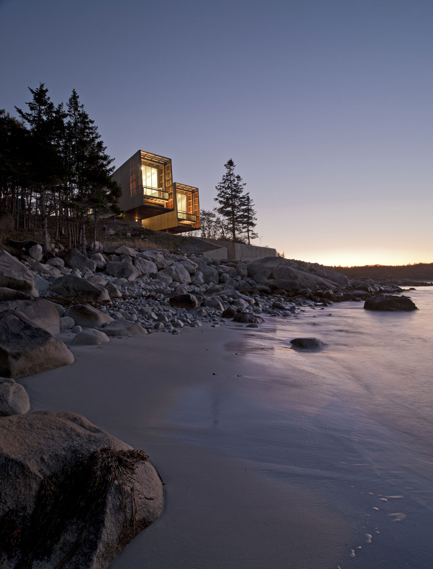 Two Hulls House by MacKay Lyons Sweetapple Architects Architecture | Yellowtrace