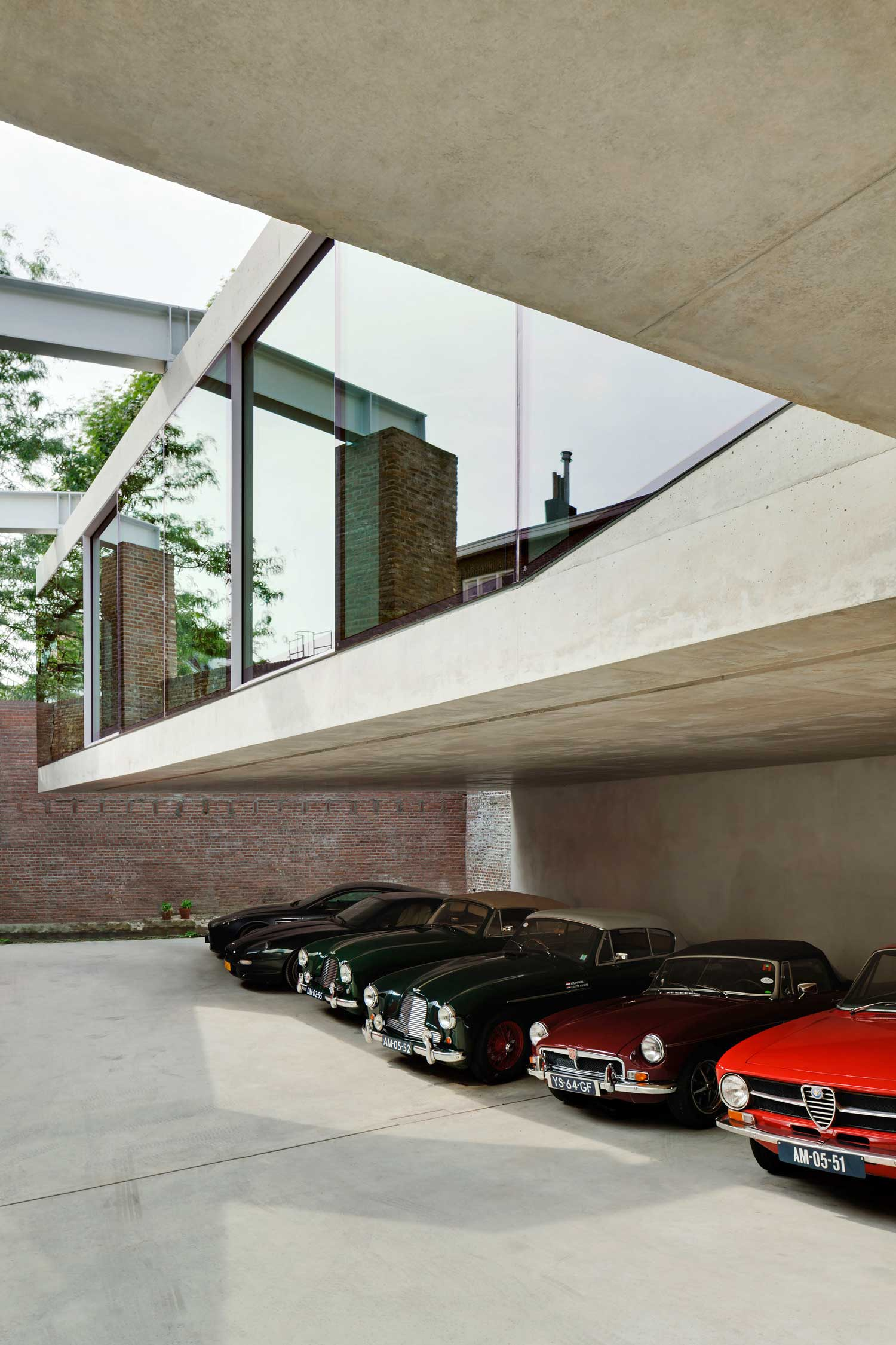 V House Netherlands by Wiel Arets Architects | Yellowtrace