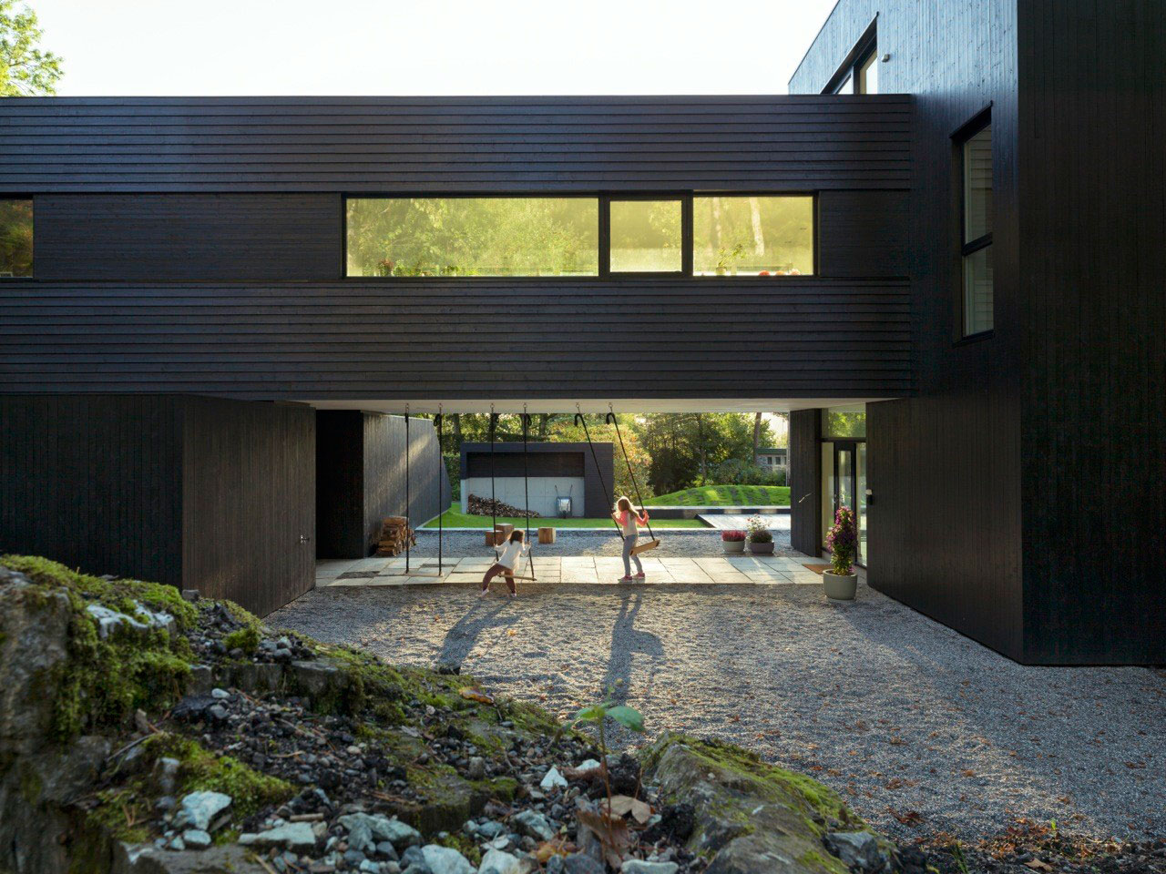 Villa S by Saunders Architecture | Yellowtrace