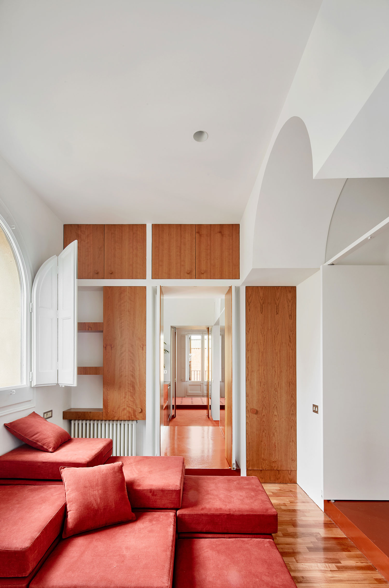 Apartment onLluís Companys Street, Barcelona by Arquitectura-G | Yellowtrace
