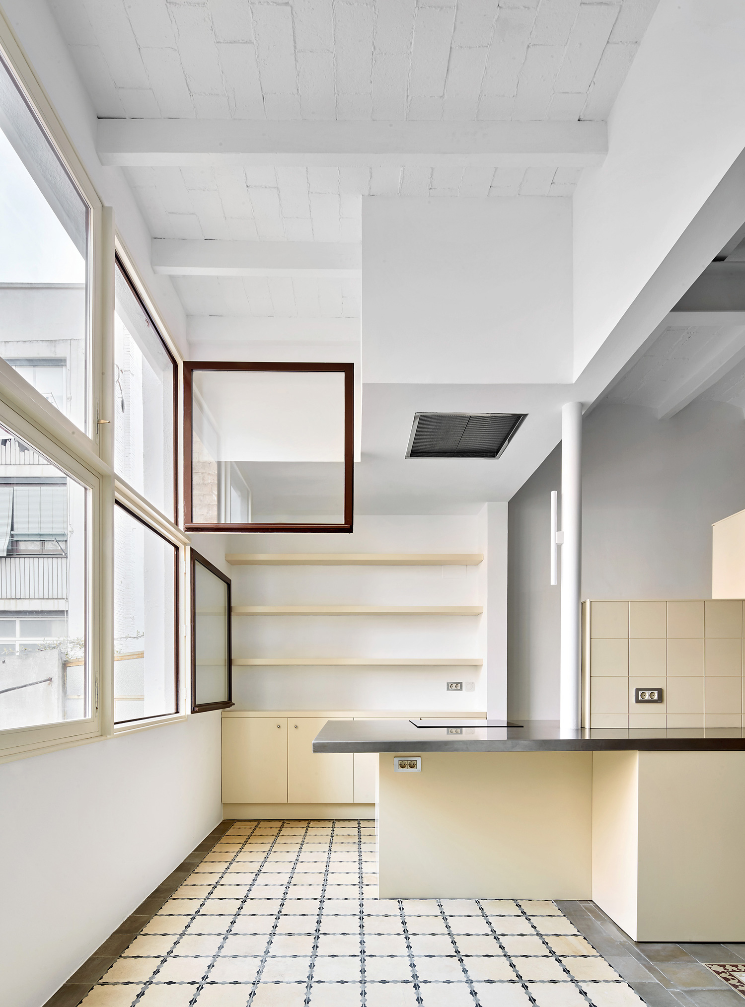 Apartmenton Mariano Cubí Street, Barcelona by Arquitectura-G | Yellowtrace