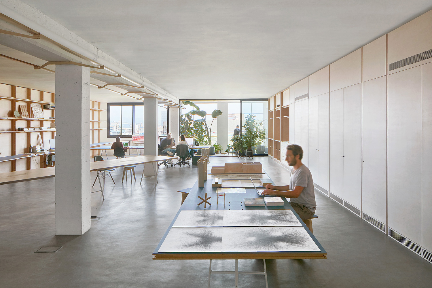 Co working office in barcelona spain by appareil for Office design archdaily