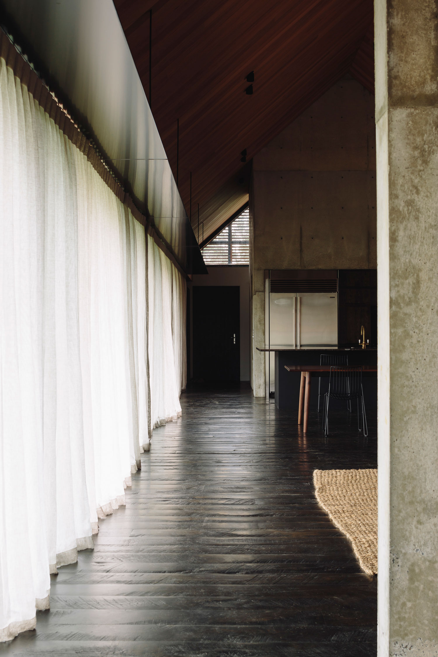 Forest House in Auckland, New Zealand by Fearon Hay Architects | Yellowtrace