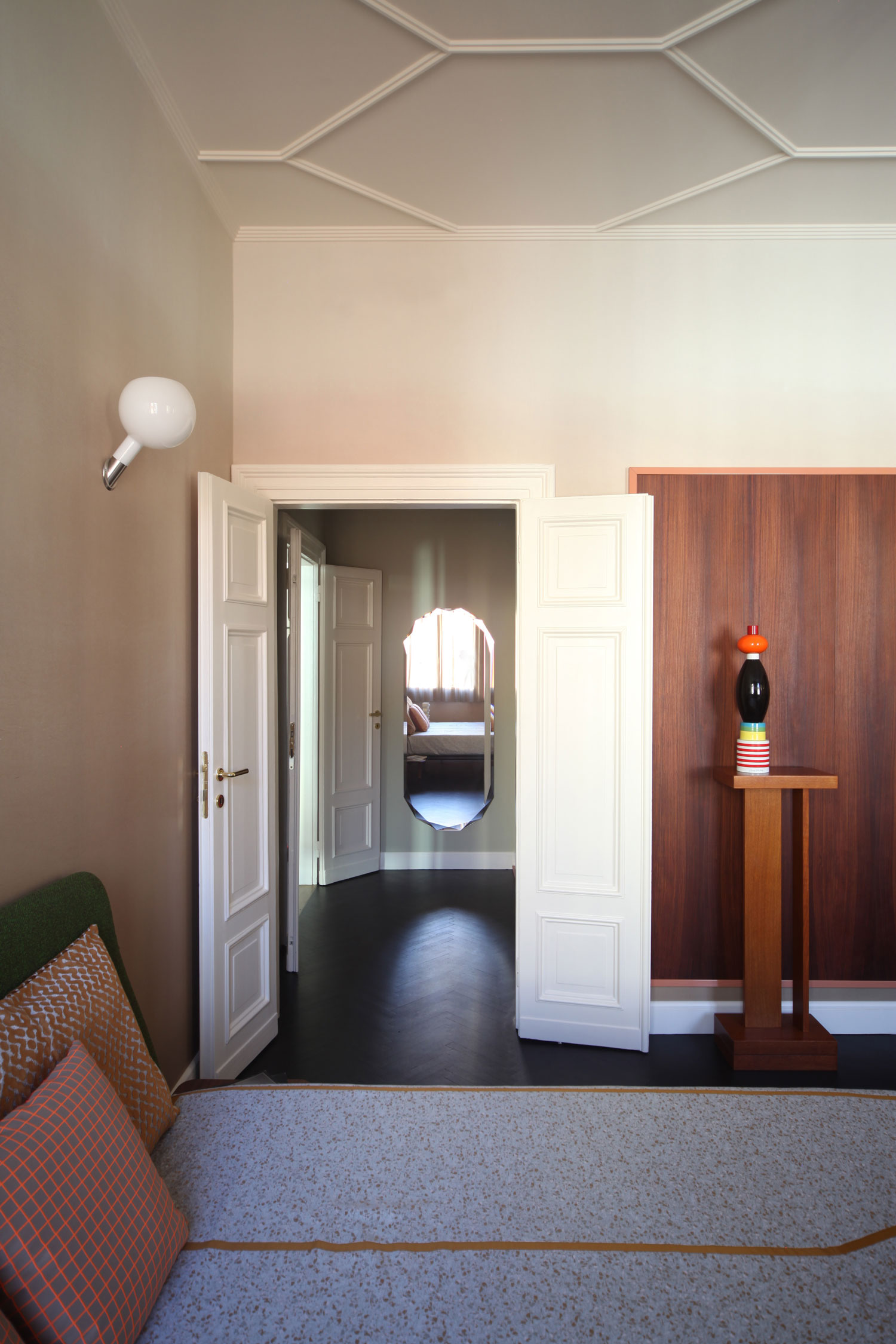 Extraordinary Heritage Apartment Renovation in Venice by Marcante-Testa (UdA) | Yellowtrace