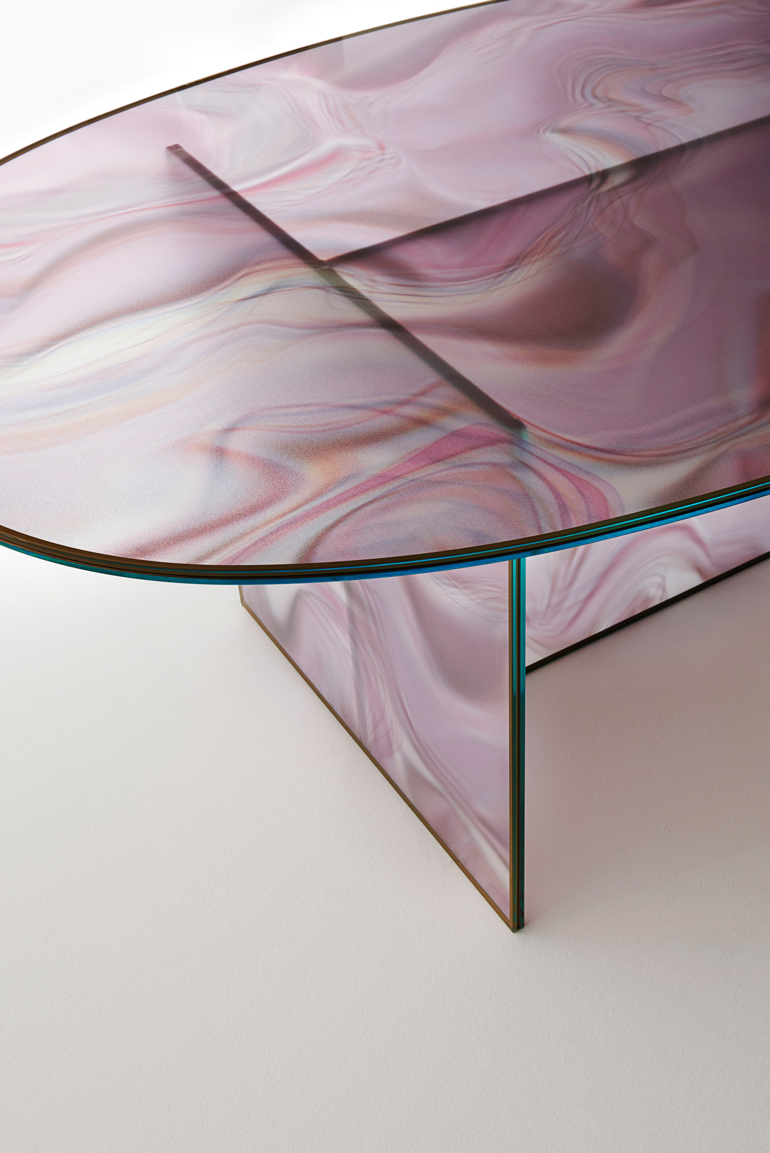 Liquefy Table by Patricia Urquiola for Glass Italia at Salone del Mobile 2017 | Yellowtrace