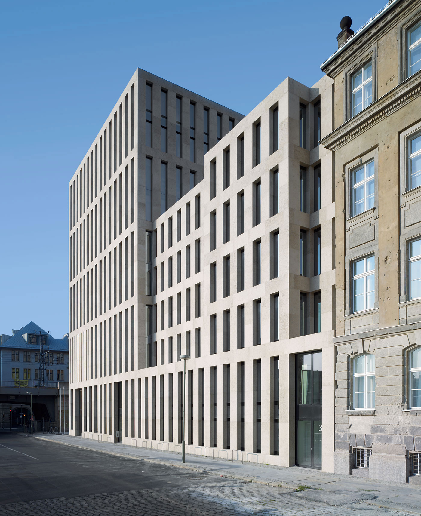 Jacob and Wilhelm Grimm Centre Berlin by Max Mudler Architekt | Yellowtrace