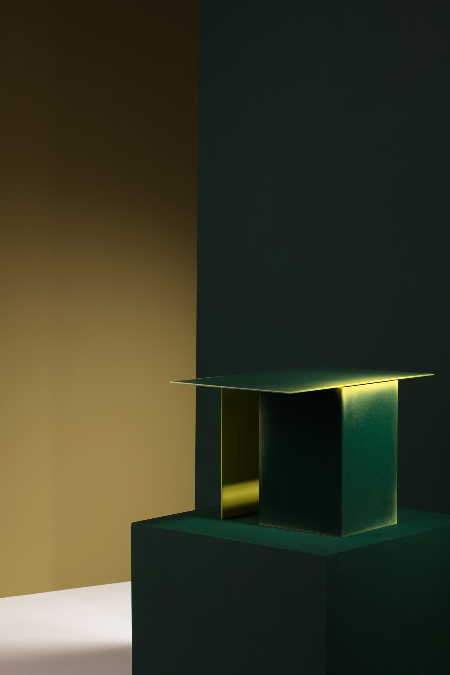 Daze Side Tables by Studio Truly Truly, Australian Designers Milan | Yellowtrace