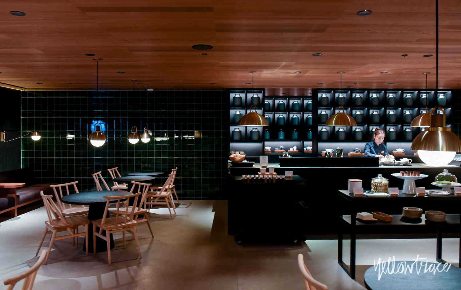 The Pier Business Lounge Hong Kong, Photo © Nick Hughes | Yellowtrace