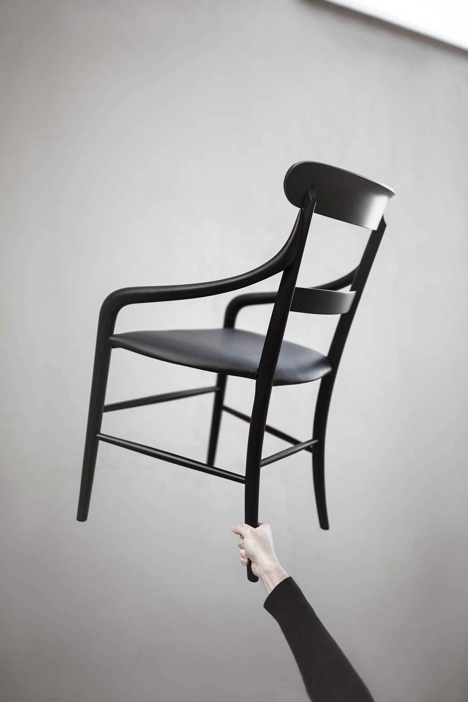 Interview with Kensaku Oshiro, Chiavari-Chair-for-Matsushima | Yellowtrace