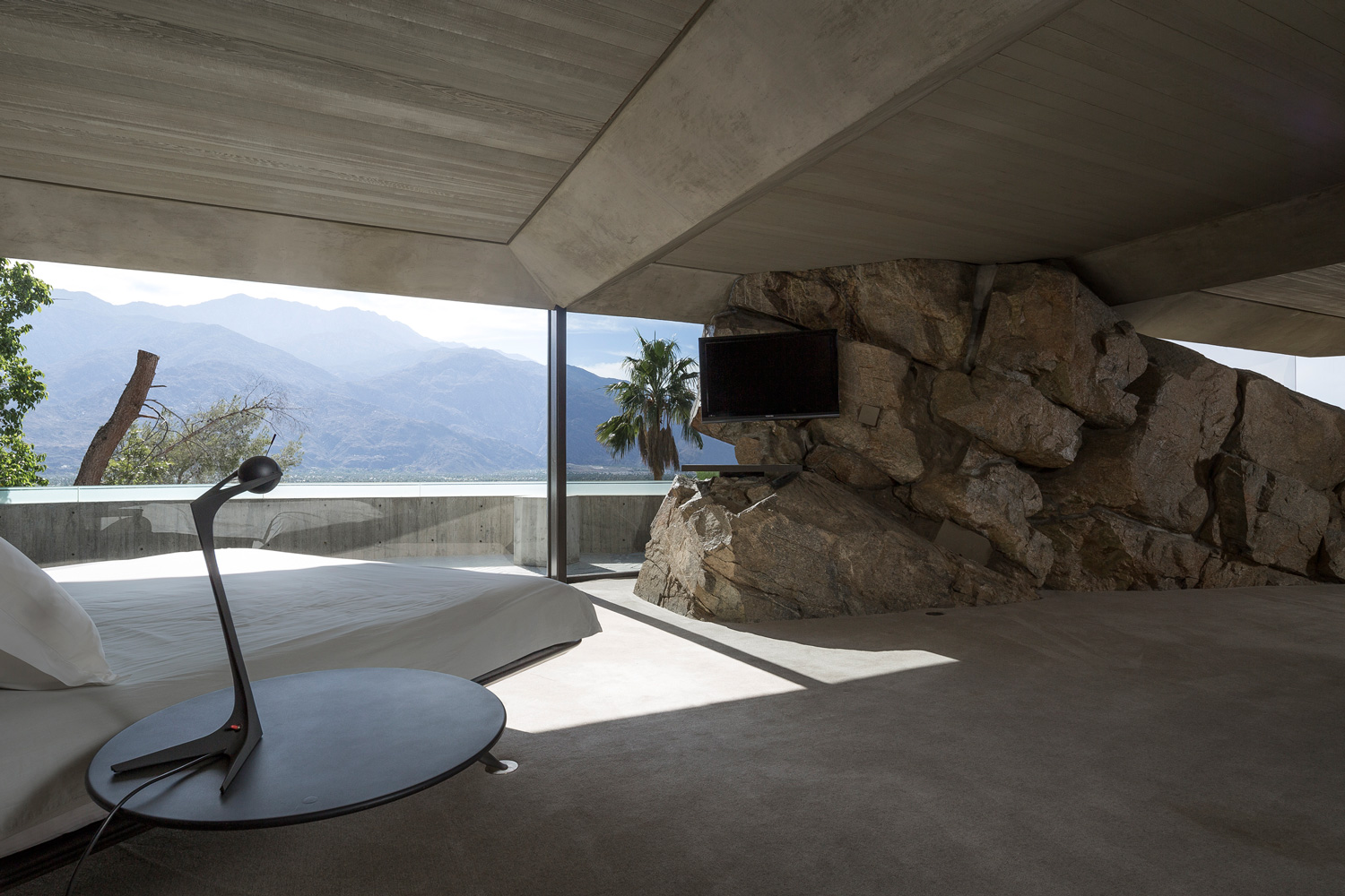 Elrod House by John Lautner | Yellowtrace