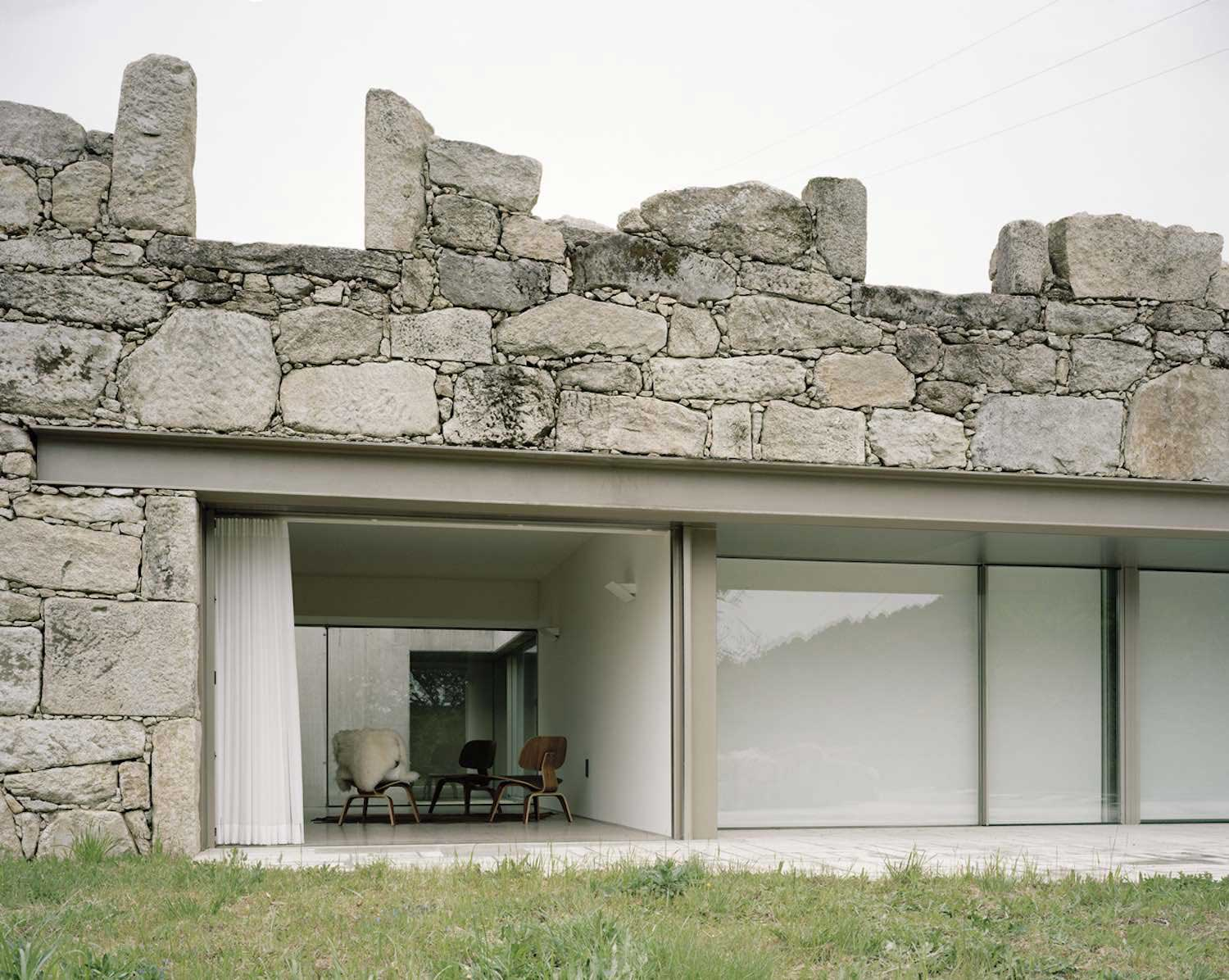 House in Melgaco by Nuno Brandao Costa | Yellowtrace