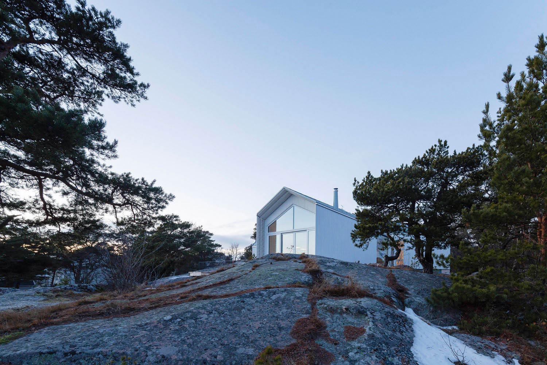 Villa in Hanko Finland by Mer Arkkitehdit | Yellowtrace