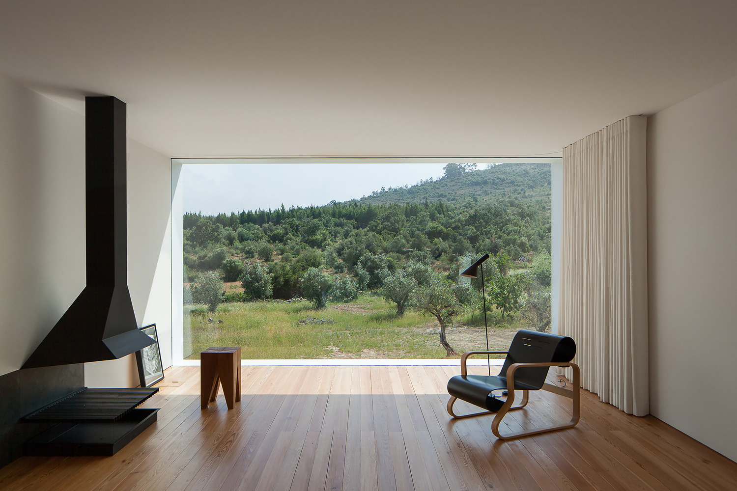Fonte Boa House in Portugal by Joao Mendes Ribeiro | Yellowtrace