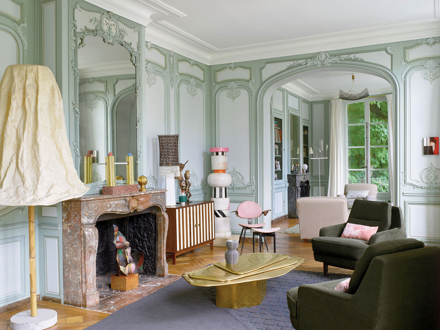 Memphis Meets Ornate 18th Century Parisian Apartment Yellowrace