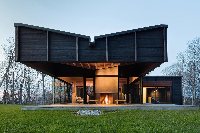 Michigan Lake House by Desai Chia Architecture. Photo by Paul Warchol   Yellowtrace