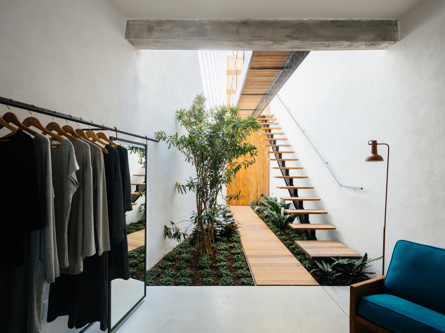 Retail store with an indoor garden in são paulo brazil by vão yellowtrace