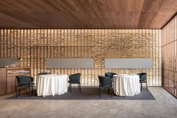 Ricard Camarena Restaurant in Valencia by Francesc Rifé Studio | Yellowtrace