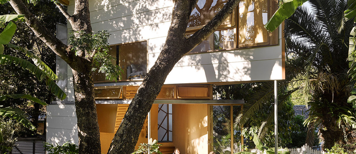 Taringa Treehouse in Brisbane Backyard by Phorm architecture + design | Yellowtrace