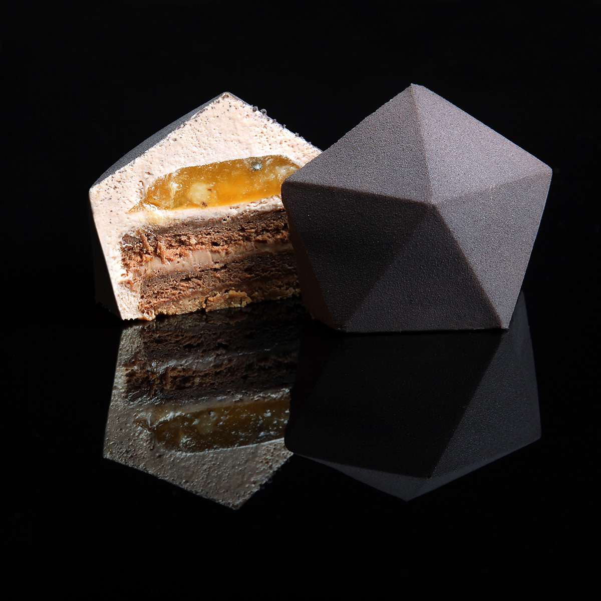 Architectural Cakes by Dinara Kasko | Yellowtrace