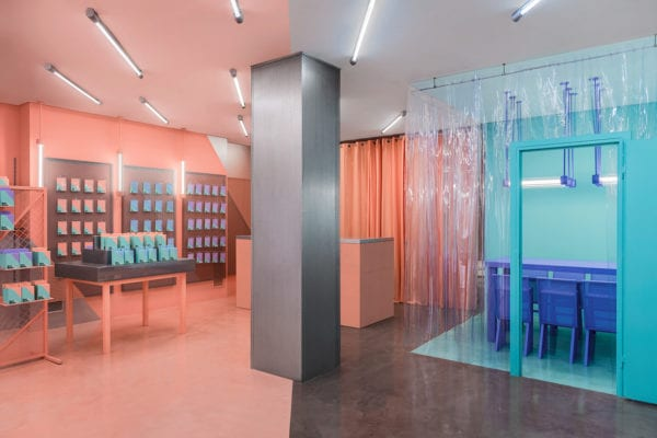 Doctor Manzana Store in Valencia, Spain by Masquespacio | Yellowtrace
