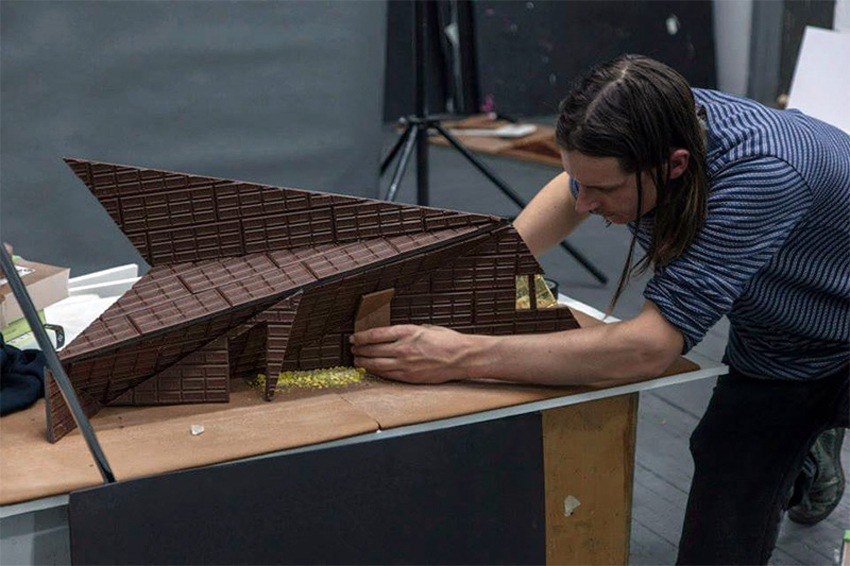 Famous Art Galleries Recreated with Gingerbread and Candy by Caitlin Levin & Photography by Henry Hargreaves | Yellowtrace