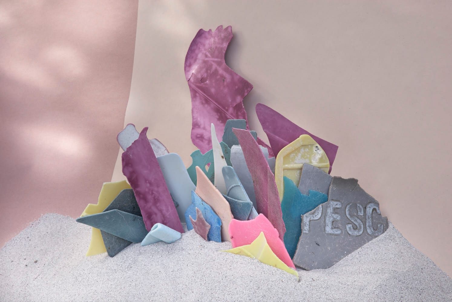 Plastic Ocean by Thirza Schaap | Yellowtrace