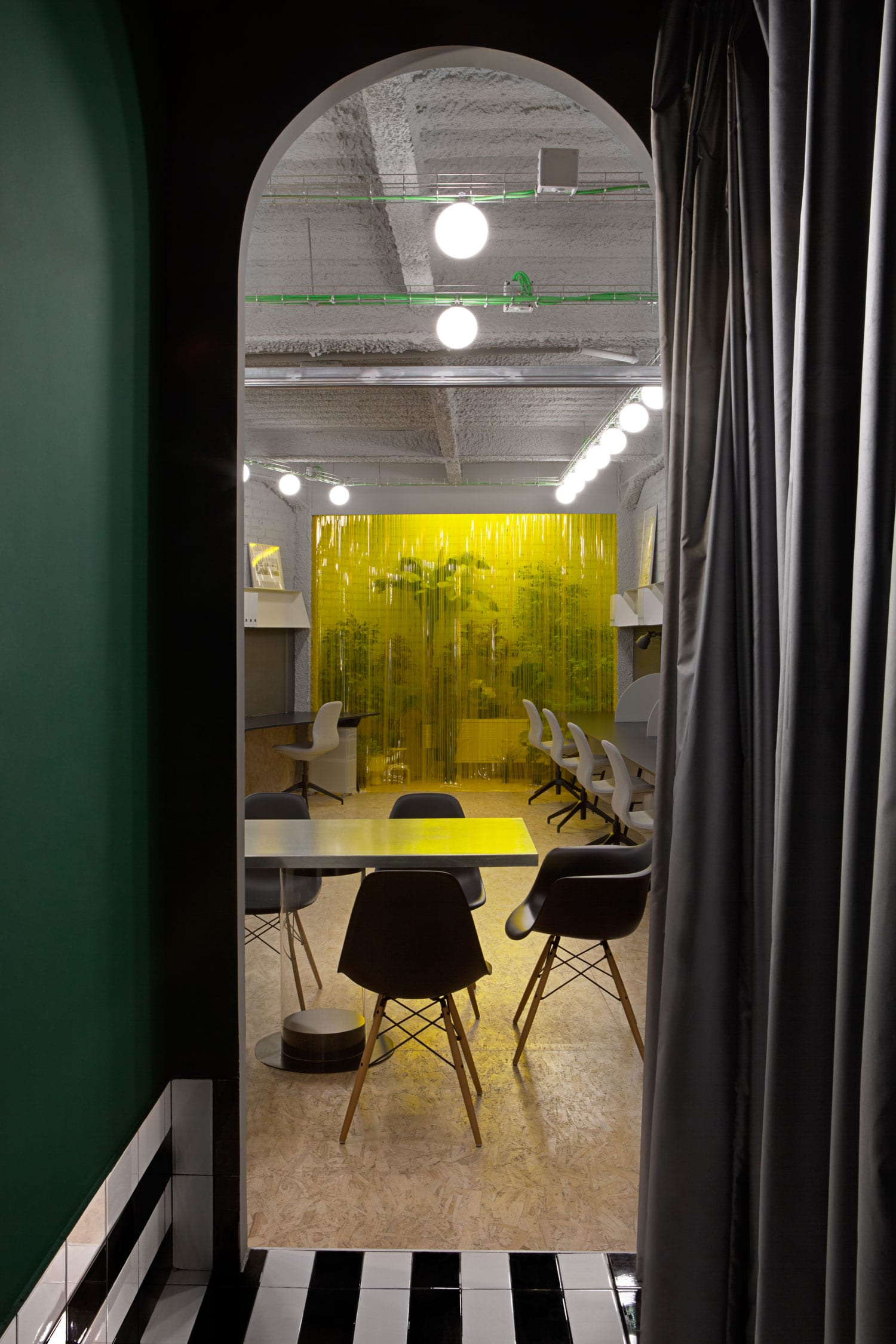 Experimento Agency Office in Madrid by Plutarco | Yellowtrace