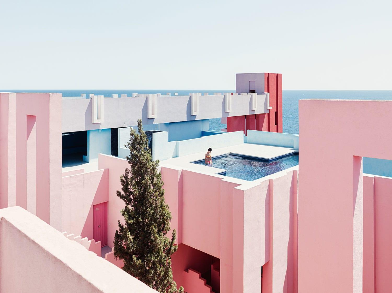 Ricardo Bofill's Red Wall (La Muralla Roja) Housing Project in Calpe, Spain   Yellowtrace