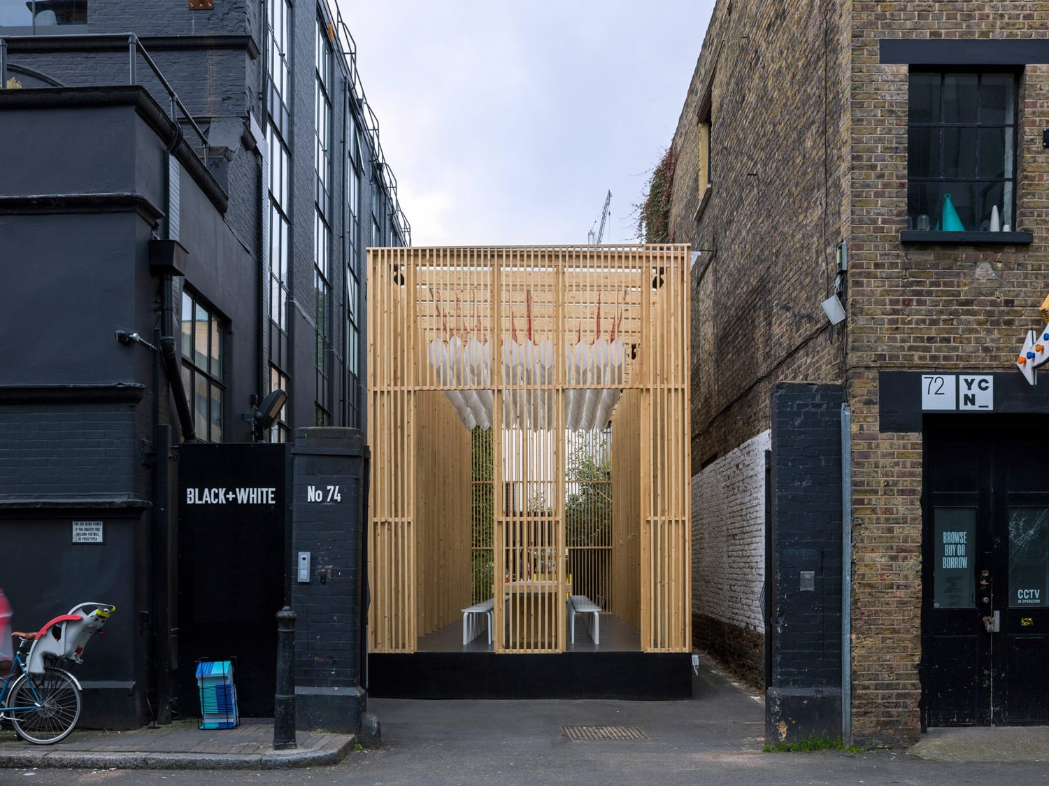 Daydreaming Hub by Universal Design Studio at London Design Festival 2017 | Yellowtrace