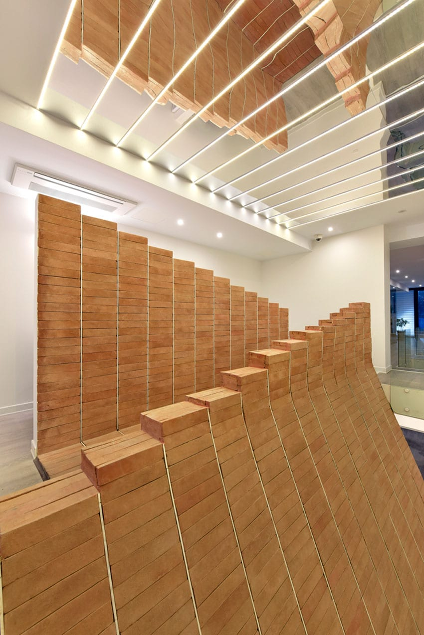 APARAT Headquarters by Qastic | Yellowtrace
