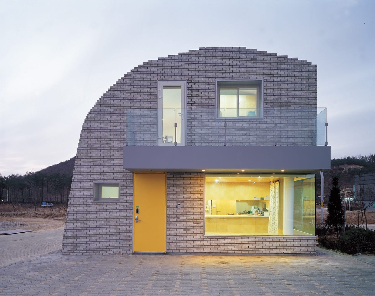 Pixel House by Mass Studies & Slade Architecture | Yellowtrace
