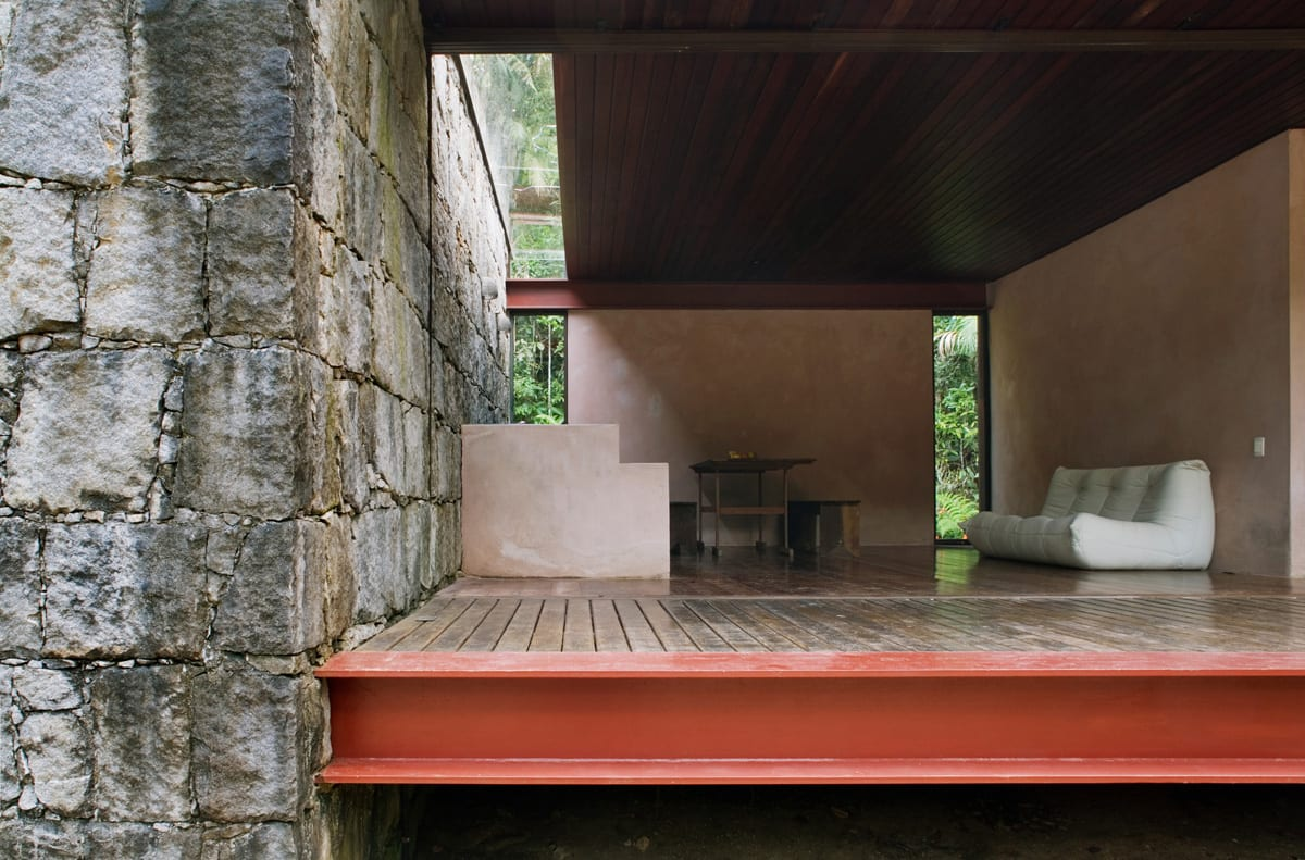 Rio Bonito House Brazil by Carla Juacaba | Yellowtrace
