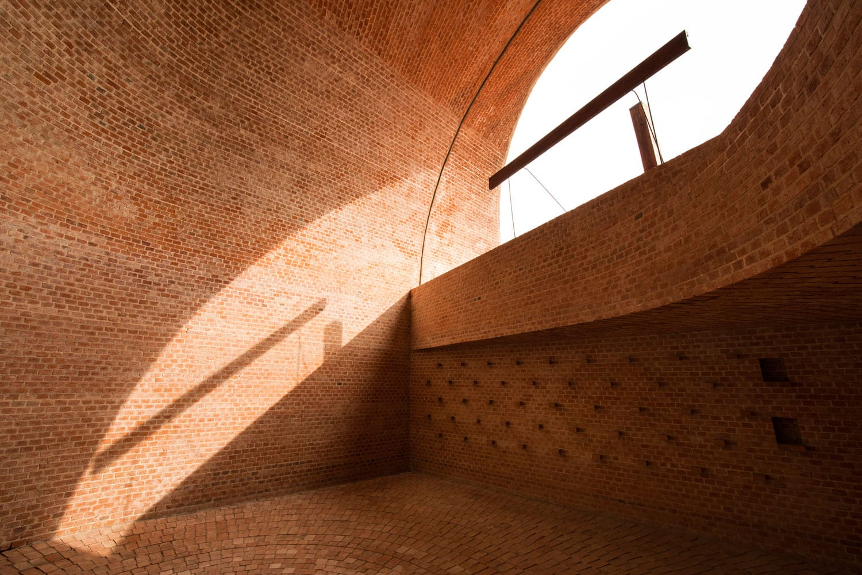 San Bernardo Chapel by Nicolas Campodonico | Yellowtrace