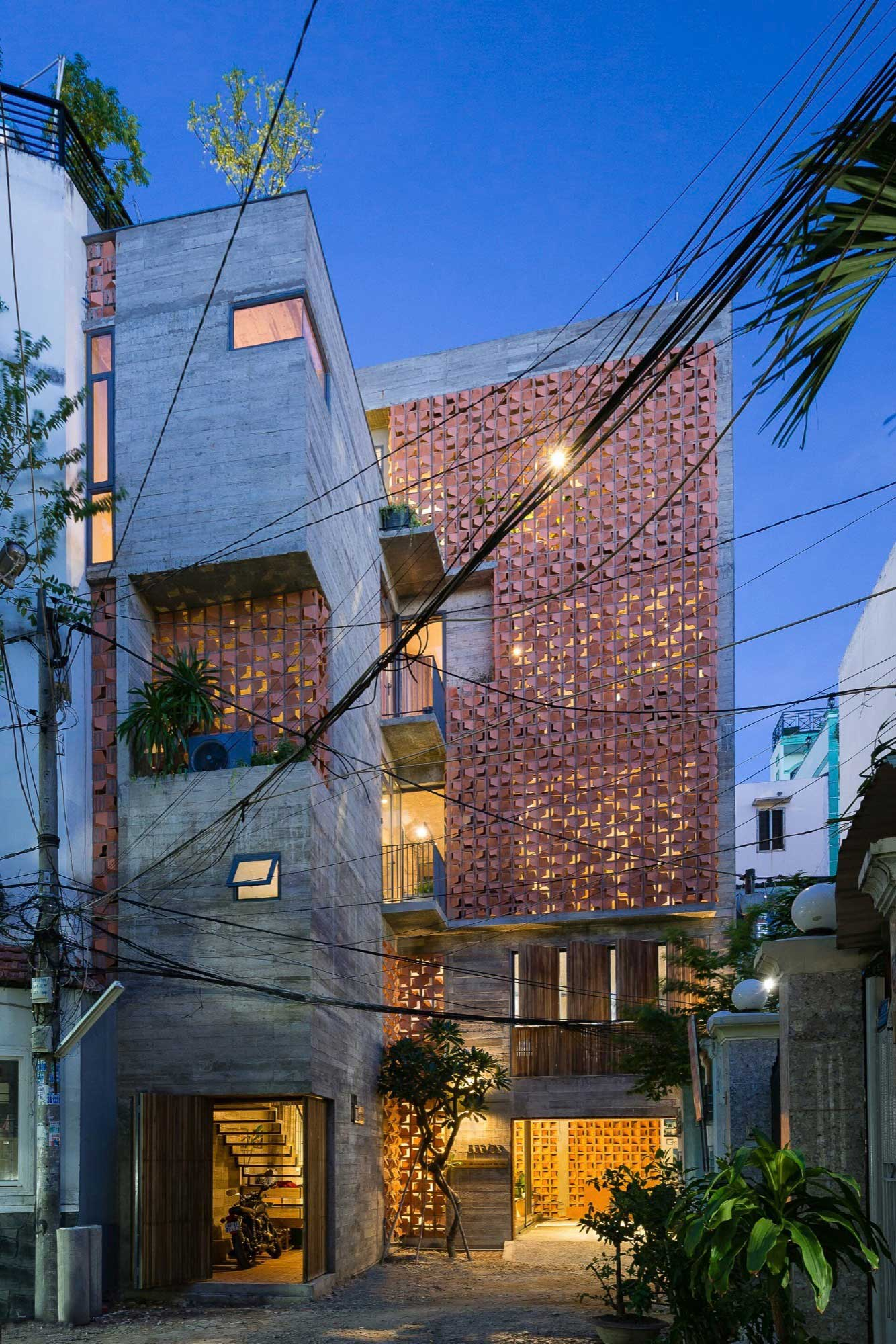 Chi House in Phú Nhuận, Ho Chi Minh City, Vietnam by G+ Architects | Yellowtrace