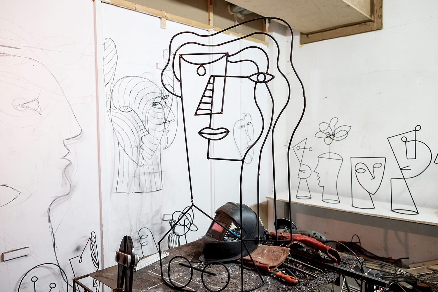 Barcelona Artist Diego Cabezas Brings Line Drawings to Life | Yellowtrace